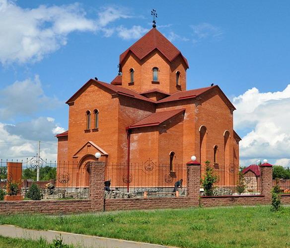 Храм Святой Рипсимэ. Барнаул. Фото