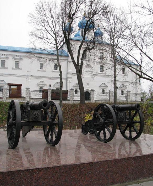 Пушки Брянского Арсенала. Брянск. Фото